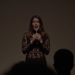 Katinka Fogh Vindelev singing live